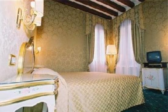 Hotel Castello: Room Detail