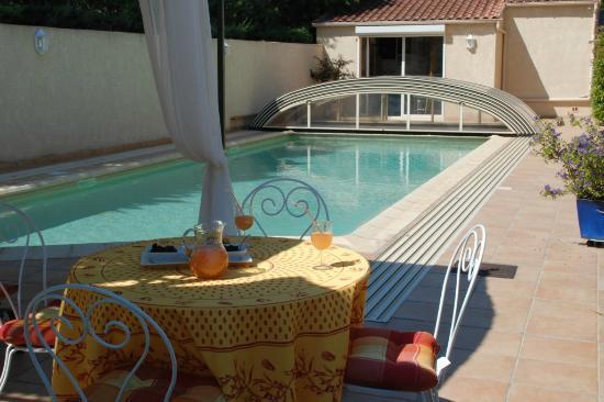 Les Bouteilles : piscine