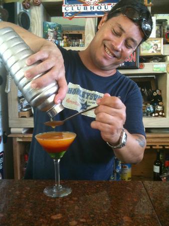 La Quinta Beach Resort: Putting more liquor cause it has to be perfect