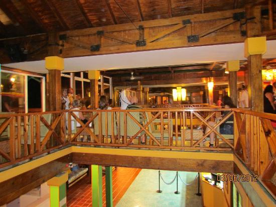 Decameron San Luis: parte sup del lobby
