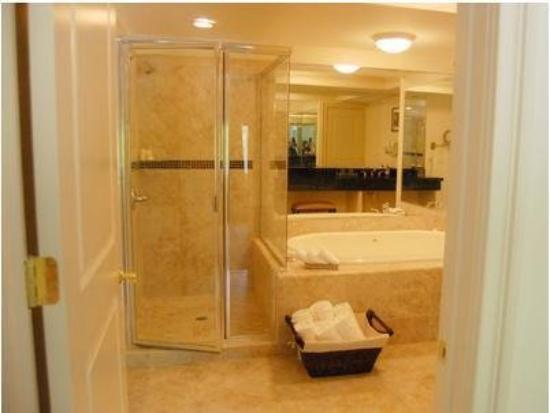 Inn At Arbor Ridge: Bathroom