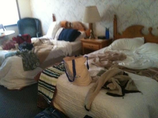 Stewart Lodge: Sorry for the mess but it really is quite a large room.