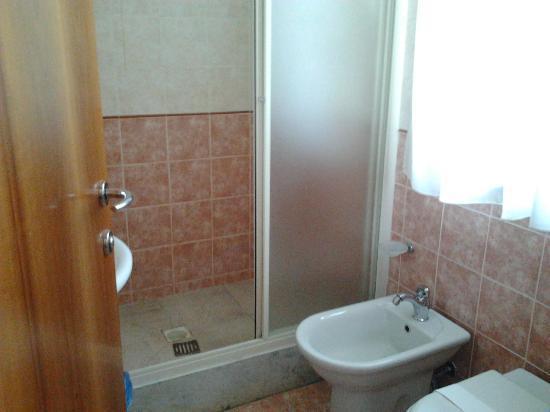 Hotel Maita : Bagno camera 102