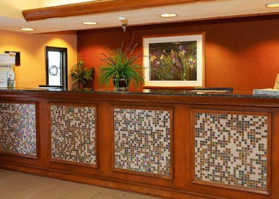 Econo Lodge Inn & Suites: ALEconolodge Front Desk Proofs