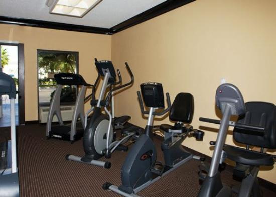 Econo Lodge Inn & Suites: ALEconolodge Fitness Room Proofs
