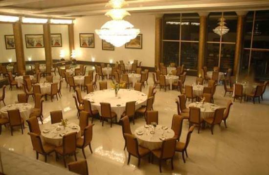 East Bourne Resort & Spa: Restaurant