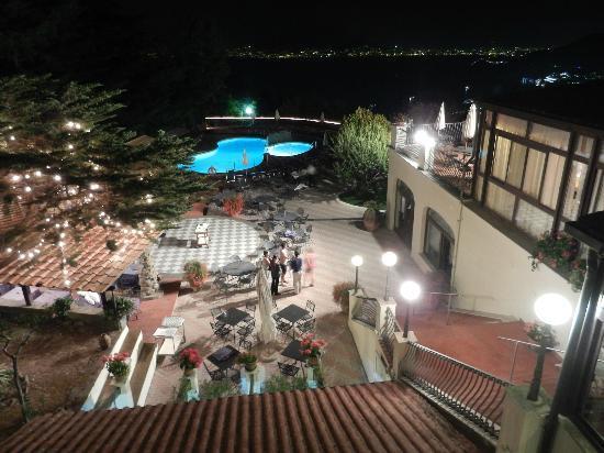 Grand Hotel Hermitage & Villa Romita: Better view of pool