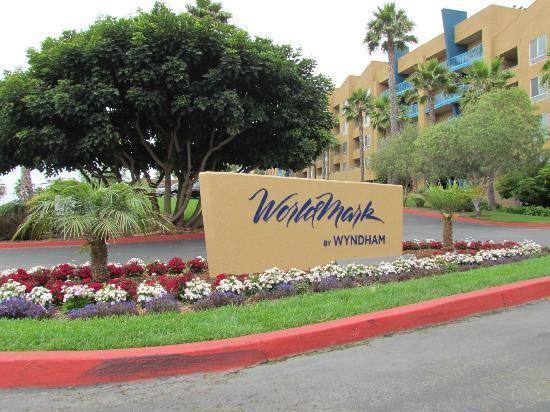 WorldMark Oceanside Harbor: Entrance