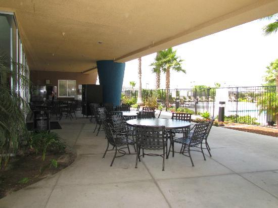 WorldMark Oceanside Harbor: Back Area by Pool