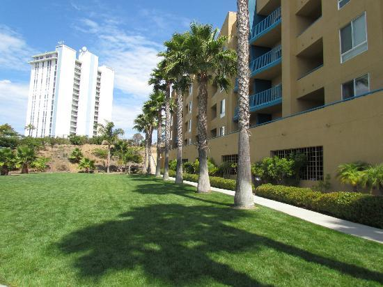 WorldMark Oceanside Harbor: Grounds by Tennis Court