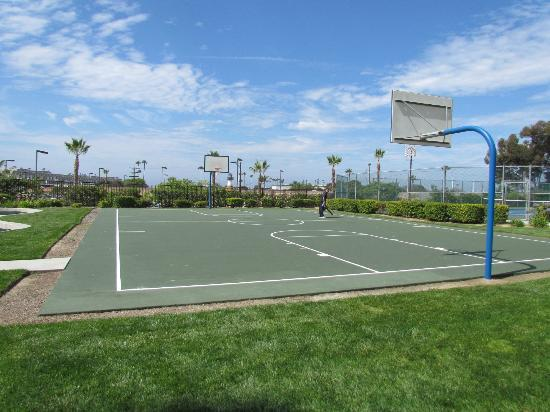WorldMark Oceanside Harbor: Basketball Court
