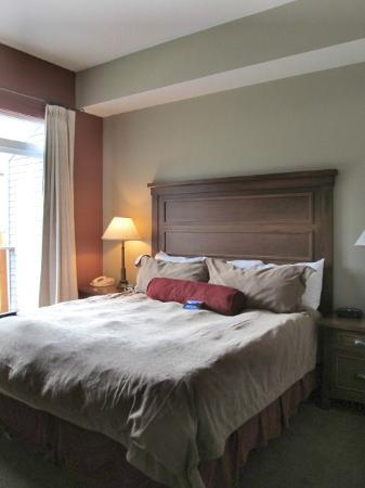 Blackstone Mountain Lodge: king size bed