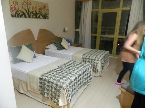 Limak Arcadia Golf & Sport Resort: twin room