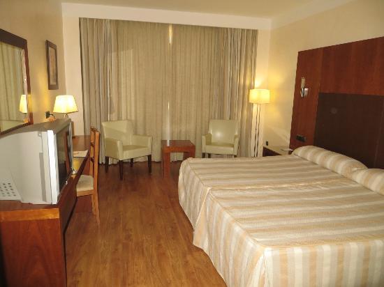 Montera Plaza Hotel: camera