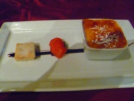 Blue Bell Inn: Bailey's Crème Brulee with buttery Shortbread