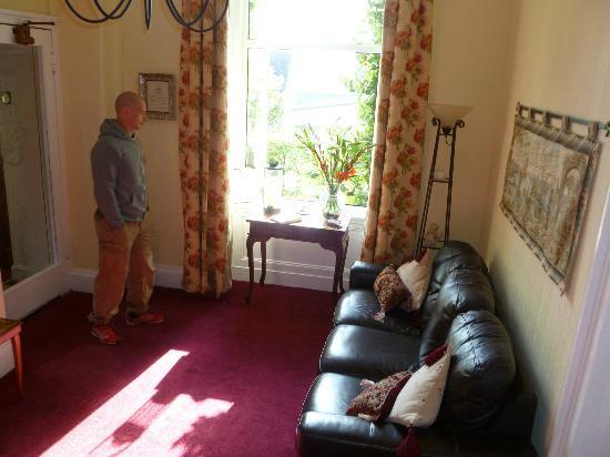 Heatherfield House: Receiving area