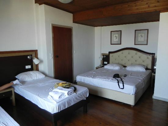 Iraklion Hotel: Habitacion