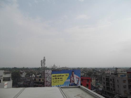 Hotel Taj Inn: View from the very top of hotel roof