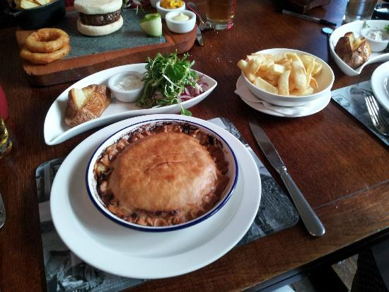 The Clog and Billycock : Cheese and Onion pie, delicious burger in background