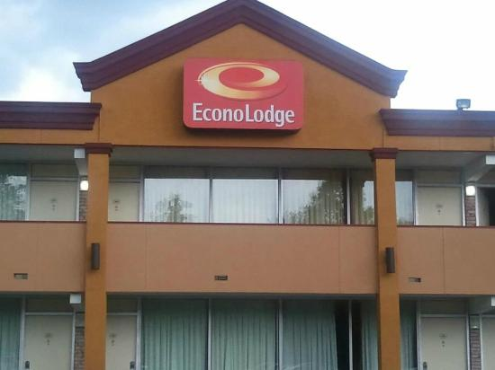 ‪إيكونو لودج كوليزيوم: New EconoLodge Updating Hotel‬