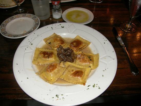 Tello Italian Bistro: Butternut Squash Ravioli