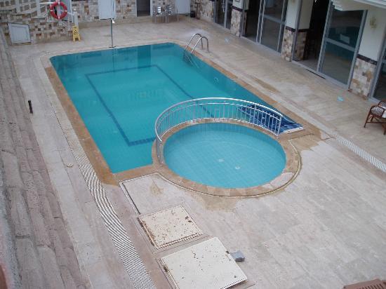 Club Aegean: The bar pool