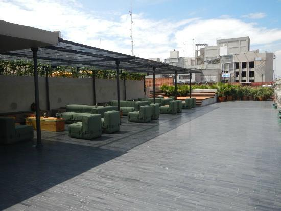 Hotel Downtown Mexico: Rooftop bar/lounge. The pool and deck are just around the corner