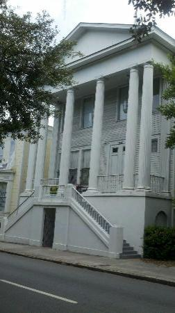 The Confederate House: Outside View