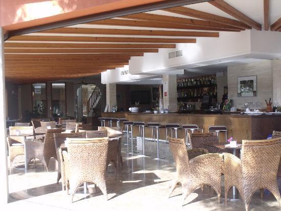 إس باولو بيتي أوتل: Bar 