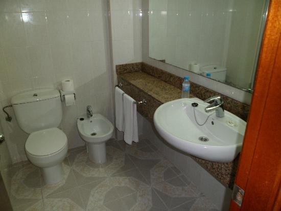 Barcelo Ponent Playa: Bathroom 472