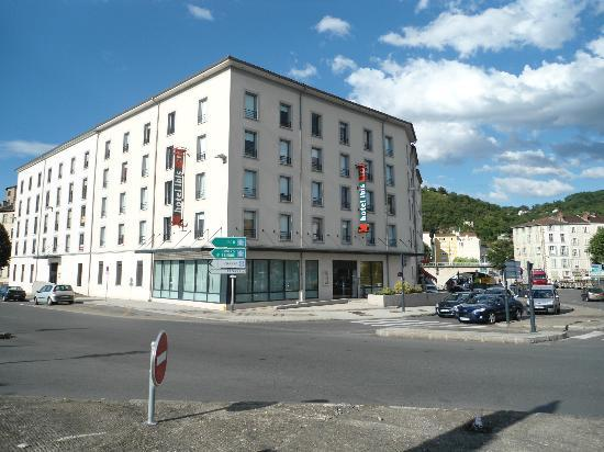 View from the room photo de ibis lyon sud vienne saint for Hotels vienne