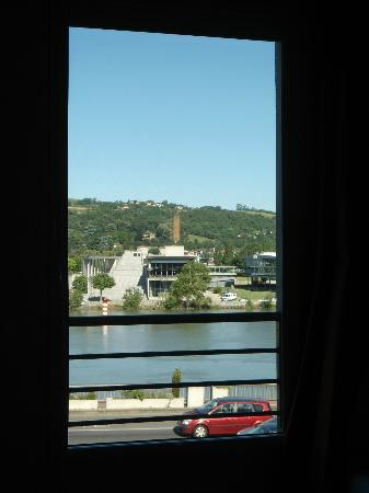 Ibis Lyon Sud Vienne Saint Louis: River view from the room