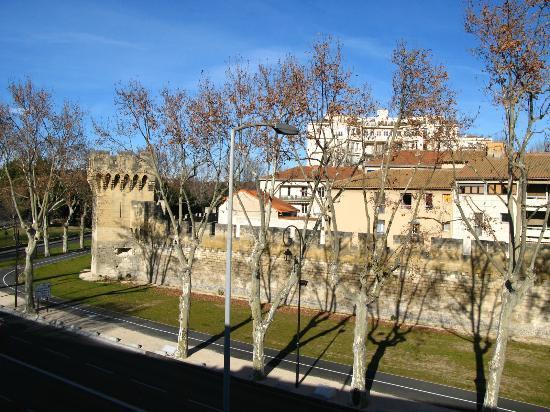 Ibis Budget Avignon Centre : Vista dalla camera che affaccia sul boulevard