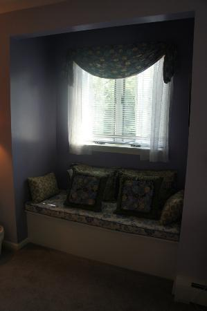 Cranberry Manor: Window Nook in the Hydrangea Room