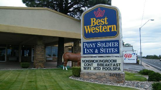 BEST WESTERN Pony Soldier Inn & Suites: front