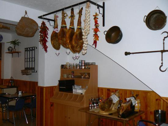 La Granada: Authentic hams from Granada