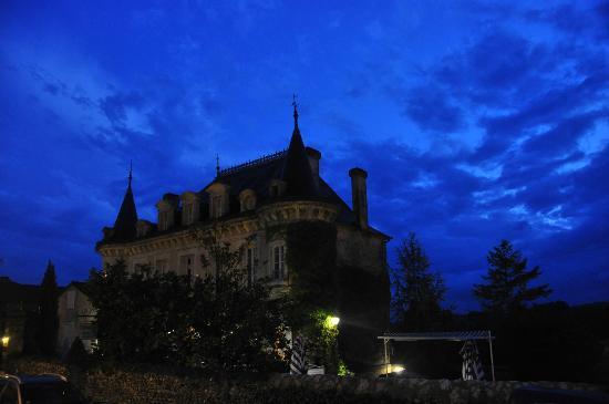 Hotel-Restaurant Edward 1er : Edward 1er and Monpazier at night