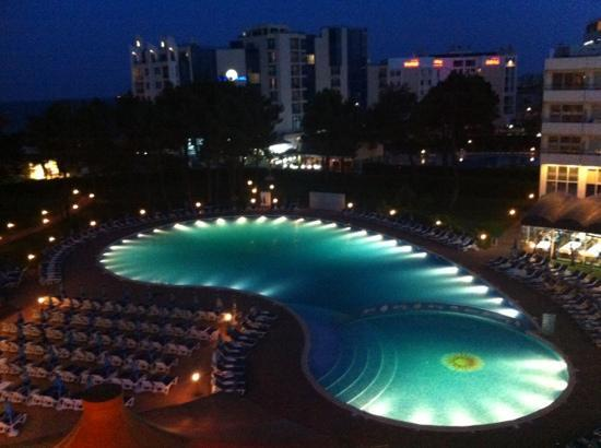 Hotel Riu Helios: pool from the balcony