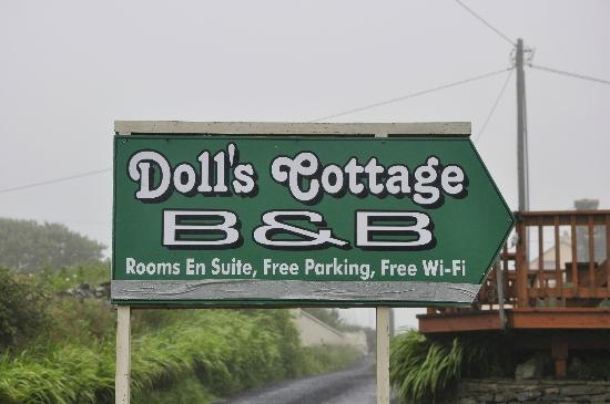 Doll's Cottage Bed & Breakfast: B&B