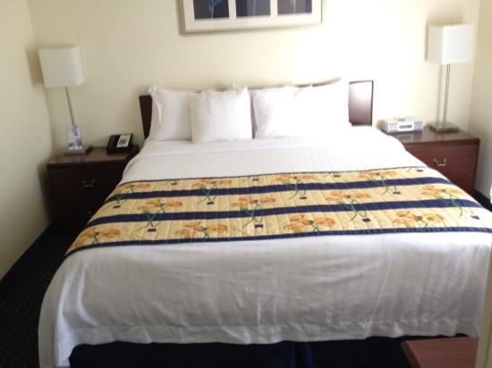 SpringHill Suites Pasadena Arcadia: bed