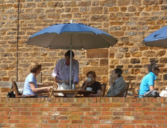 The Granary at Fawsley: Proper English tea and scones on the terrace