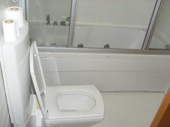 Hotel Villa Zurich: salle de bain