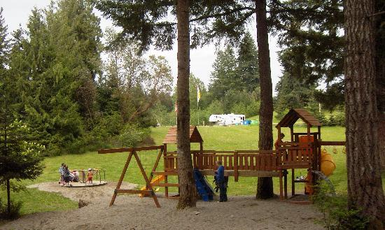 Mountainaire Campground and RV Park : Kids love the playground