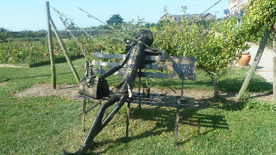 Auberge la Fontaine aux Bretons : die Gartenanlage