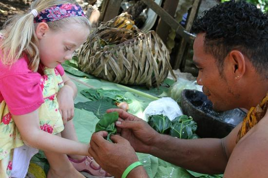 Lalomanu, Samoa: Experience traditional cooking and food, you even help!