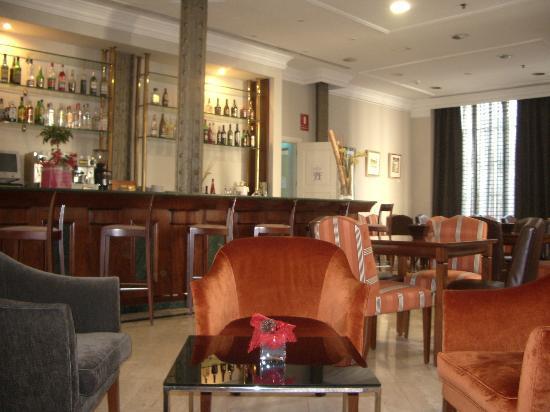 Hotel Exe Laietana Palace: piano bar