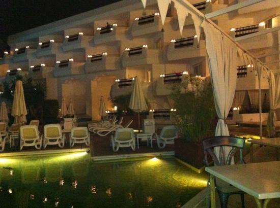 IBEROSTAR Marbella Coral Beach: @night