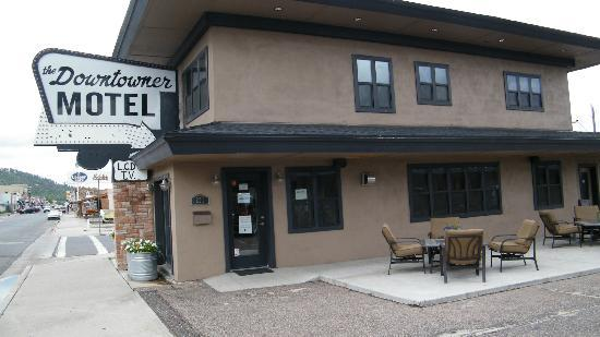 Rodeway Inn & Suites Downtowner-Rte 66: check in office