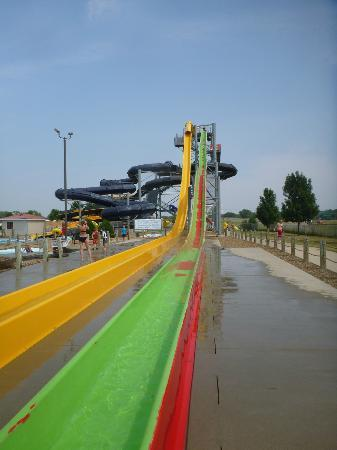 Raging Rivers Waterpark: Two Tower Slides