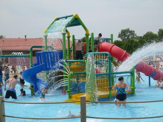 Raging Rivers Waterpark: The Little Kids' Area